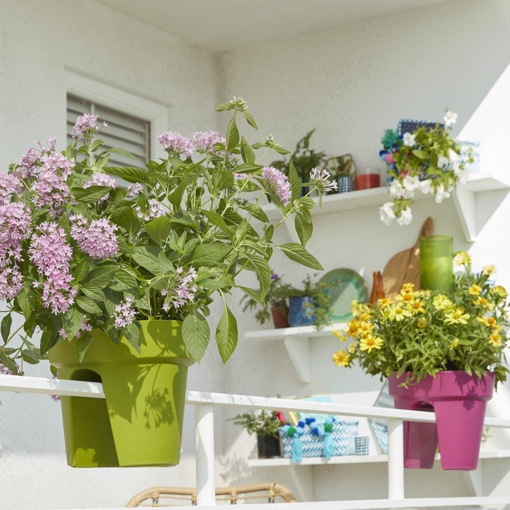 Ghivece și măști decorative pentru flori