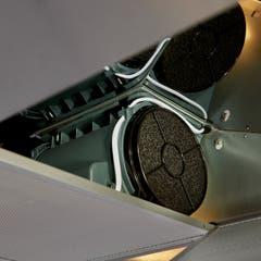 Filtru carbon pentru hota 4, montare cu cleme, negru, 2 bucati